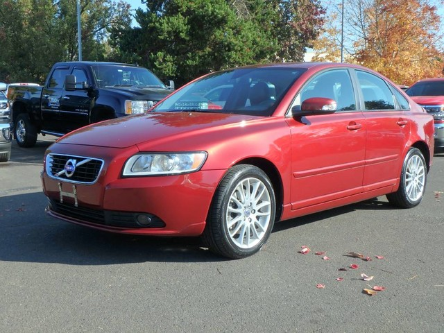 Pre-Owned 2011 Volvo S40 (fleet-only) R-Design
